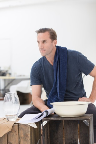 Joseph Fiennes in CFT's Ross Photo by Johan Persson