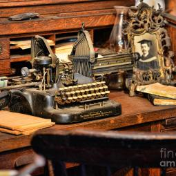 antique-typewriter-paul-ward
